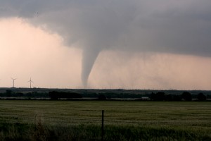 A new plan has been proposed to build giant walls in tornado alley which would dissipate tornadoes before they form. NOAA photo library/Flickr Commons