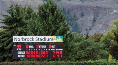 A close game through 99 of the 100 innings game on Sunday, Sept. 20. (Cameron Doherty/The Omega)