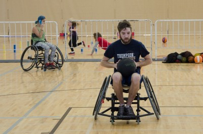A first-time wheelchair basketball player gets ready to shoot on Saturday Nov. 21. (Cameron Doherty/The Omega)