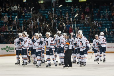The Blazers salute the crowd after defeating the Tri-City Americans on Jan. 8. (Tristan Davies/Ω)