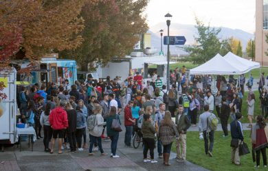 "Hundreds of students showed up for TRUSU's ""Hungry for Choice"" Food Truck Festival hosted on Wednesday, Sept. 21. (Marcela Arévalo/The Omega)"